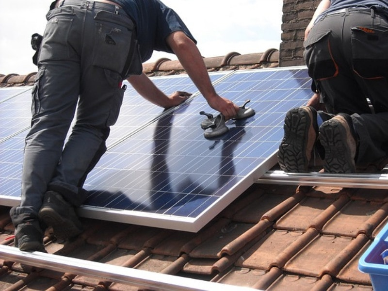 Energy-Efficient Solar Panel Installation on A Custom green Home